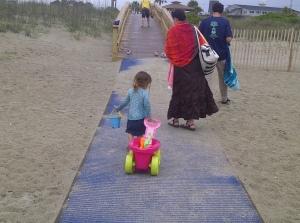 Family Savannah beach day trip | Photo (c) Sandy Traub